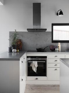 ballingslov-ingaro Kitchen Inspirations, Kitchen Room, Interior Design Kitchen, Kitchen Remodel Small, Kitchen Dining Room, Kitchen Furniture Design, Home Kitchens, Kitchen Style, Kitchen Renovation