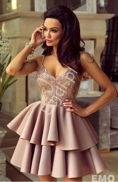 10e7ada6a2 Sukienka z piankową spódnicą na cienkich ramiączkach w kolorze kawy z  mlekiem - Leila