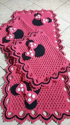 Crochet Kitchen Rug: Sets of Rugs and Walkthroughs Crochet Kitchen Rug: Sets of Rugs and Walkthroughs Baby Dress Patterns, Crochet Blanket Patterns, Baby Blanket Crochet, Crochet Motif, Crochet Doilies, Crochet Baby, Knit Crochet, Crochet Kitchen, Crochet Home