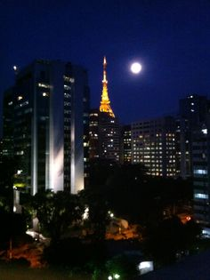 The night and the tower at Paulista Avenue. São Paulo, best place ever...
