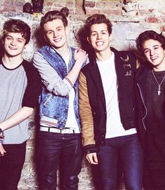 ↳ 10/100 pictures of The Vamps