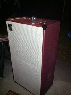 handles, REAL casters, heavy duty rubber stoppers and skid rails added. our wine red tolex and silver sunn style grille cloth. now this is a bitchin cabinet, not an eyesore! Bass Amps, Cabinet Handles, Guitar Amp, Cabinets, Tube, Red, Silver, Armoires, Fitted Wardrobes