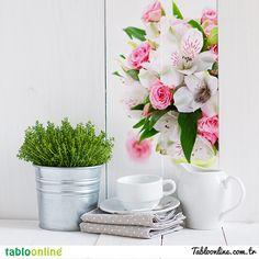 Güzelliği ile göz kamaştıran çiçekler, mutfağınızın havasını değiştirsin.  Çiçek temalı tablo çeşitlerimizi görmek için tıkla;   http://www.tabloonline.com.tr/tr/tabloonline-galeri-detay/28/cicek-ve-bitki  #Tabloonline #Çiçek #Mutfak #Resim #Renk #Güzellik #Dekorasyon