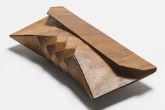 TESLER + MENDELOVITCH - 木のクラッチバッグ