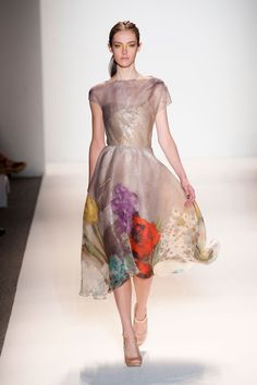 Gorgeous spring floral dress at Lela Rose Spring 2013 RTW Collection Lela Rose, Runway Fashion, Fashion Show, Fashion Design, Ny Fashion, Popsugar, Pretty Dresses, Beautiful Dresses, Mode Pastel