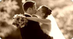 Resultado de imagem para fotos de noivos em lugares diferentes