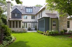 great exterior colors... grey-blue, creamy white