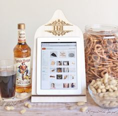 Personalized iPad Stand Cutting Board Style Kindle by braggingbags