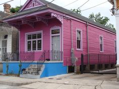 House Styles: 1861 - 1930: Shotgun House: Long and narrow, shotgun houses are made to fit small city building lots.