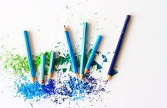 I'm a creative pencil artist, digital designer, graphic artist, artist, web and layout designer. I create and edit visual messages in an attempt to gain more exposure for a company or an individual so as to increase their sales. Kids Crafts, Craft Projects, Arts And Crafts, Craft Ideas, Preschool Crafts, Blending Colored Pencils, Design 3d, Creative Design, Origami