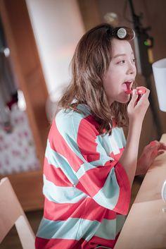 [학교 2017] 은호♥태운, 고백 복습부터 데이트 미리보기까지! (스포주의) : 네이버 포스트 Kim Sejeong, Sun And Clouds, Pre Debut, School 2017, K Pop Star, Girl Crushes, My Images, Art Girl, Girl Group