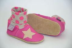 Krabbelschuhe - Leder-Krabbelschuhe Stern pink/beige - ein Designerstück von danielanagel bei DaWanda