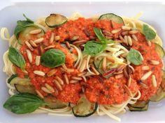 Pasta con pesto rojo vegano. Pasta with red pepper pesto. #vegan #vegano #recetas