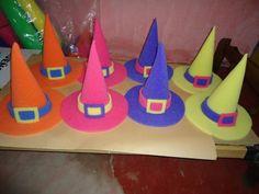 Resultado de imagen para moldes de sombreros de goma espuma Birthday Candles, Banner, Mary, Google, Carnival, Fiestas, Log Projects, Birthday Hats, Funny Hats