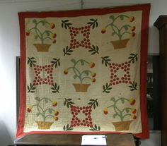 Pieced Cotton Floral Medallion Quilt Antique Quilts, Vintage Quilts, Block Patterns, Pattern Blocks, Appliqué Quilts, Medallion Quilt, Green Quilt, Quilts For Sale, Doll Quilt