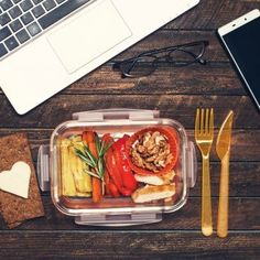4 ideas for healthy work snacks that are temptingly good Snacks For Work, Healthy Work Snacks, Easy Healthy Breakfast, Healthy Meals For Kids, Kids Meals, Easy Meals, Lunch Saludable, Chile Guajillo, Healthy School Lunches