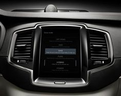 Volvo XC90 T8 Hybrid Centre Screen (2014)