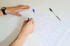 How to become ambidextrous in 6 EASY steps – Lettering Daily