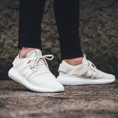 «Adidas Tubular Viral W - Core White/Core White RELEASE Thursday, 11th February 2016 Instore  Online Berne  Zurich»