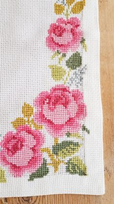 Beautiful x 11 /rose cross stitch / embroidered / tablerunner in white cotton from Sweden Cross Stitch Rose, Beaded Cross Stitch, Cross Stitch Borders, Cross Stitch Flowers, Cross Stitch Patterns, Rose Croix, Wool Pillows, Origami Art, Ribbon Embroidery
