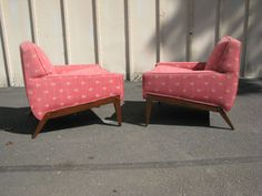Awesome Pair of Mid Century Modern Sculpted Leg Lounge Chairs   eBay