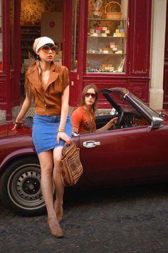 Triumph Spitfire + boutique vintage in Montmartre, París | DolceCity.com