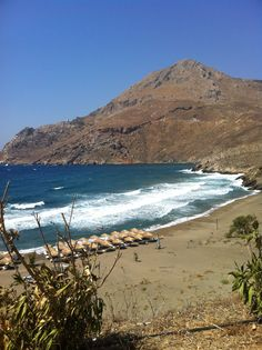 Marmari beach, Mani Greece Santorini Villas, Myconos, Places In Greece, Us Sailing, Greek Wedding, Greece Travel, Crete, Mountain View, Amazing Places