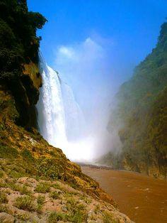 Si eres amante del ecoturismo anota en tu lista de lugares para visitar estas 10 impresionantes caídas de agua ubicadas en México. ¡Conócelas!