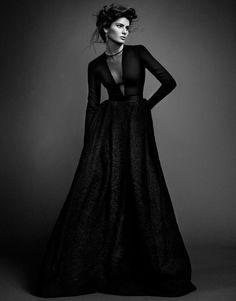 Luxe Style  Модель: Isabeli Fontana  Фотограф: Sergi Pons   Стилист:  Alberto Murtra