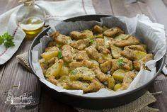 STRACCETTI DI POLLO E PATATE al forno Mozzarella, Cooking Time, Cooking Recipes, Recipe For 4, Italian Recipes, Potato Salad, Easy Meals, Good Food, Chicken