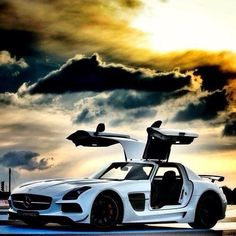 Stunning  Mercedes SLS AMG