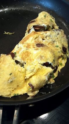Mushroom Asiago Omelette by @ValMCathell Breakfast for #SundaySupper