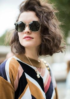 This Is the Street Style Hair Trend From Fashion Month We take a look at the biggest street style hair trend on the streets of New York, London, Milan and Paris. Prepare to meet your new hair Short Curly Hair, Curly Hair Styles, Short Wavy, Hair Day, New Hair, Pretty Hairstyles, Bob Hairstyles, Hair Inspo, Hair Inspiration