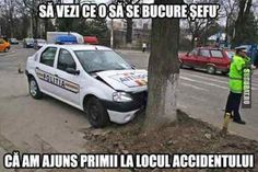Singurul moment cand politia ajunge prima la locul accidentului Funny Jockes, Baby Animals, Funny Animals, Funny Images, Funny Pictures, Funny Comics, Romania, Haha, Like4like
