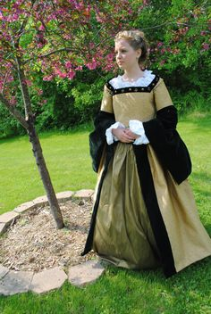 Renaissance Court Tudor dress costume in Black Gold by MattiOnline, $400.00