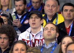 Sidney Crosby at the Women's USA -vs- Canada game in Sochi, Russia - 2014 Olympics! Hockey Rules, Women's Hockey, Hockey Baby, Hockey Players, Hockey Stuff, Penguin Songs, Olympic Hockey, Lets Go Pens, Go Usa