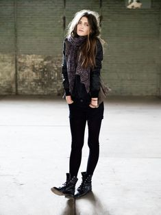 This outfit is perfect. Casual + sexy + rocker look