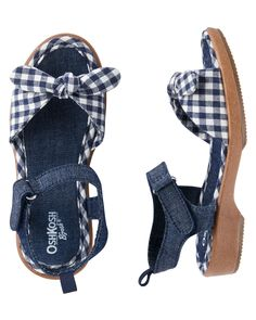 These sandals with gingham details are just what she needs to complete her favorite summer outfit!