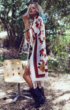I want pretty: LOOK- Outfits con estilo Bohemio-Chic/Boho-chic style Hippie Style, Looks Hippie, Look Hippie Chic, Boho Chic, Estilo Hippie Chic, Gypsy Style, Boho Gypsy, Hippie Boho, Bohemian Style