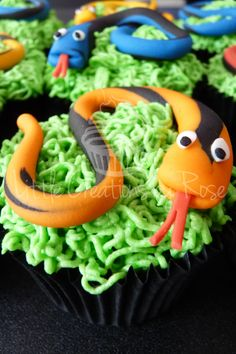 Cupcakes topped with Vanilla Buttercream and coloured fondant snakes. All cupcakes handcrafted by Little Creations By Rose. www.facebook.com/LCByRose Safari Birthday Party, Animal Birthday, 2nd Birthday Parties, Cupcake Day, Cupcake Cakes, Reptiles, Snake Cakes, Snake Party, Reptile Party
