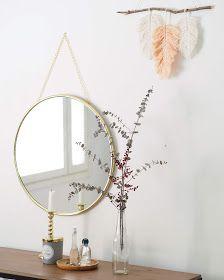 Lämmin ilo: Lankasulkia seinälle // sis. ohjeen Feather, Wreaths, Handmade, Diy, Furniture, Patterns, Home Decor, Block Prints, Quill