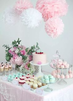 Baby shower sweet table in pastel with peonies - Todo Para la Fiesta Bonbons Baby Shower, Baby Shower Candy, Shower Party, Baby Shower Parties, Baby Shower Themes, Baby Shower Decorations, Pastel Party Decorations, Baby Shower Buffet, Table Decorations