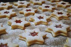 Küchenzaubereien: In der Weihnachtsbäckerei: Erdbeermarmeladensterne