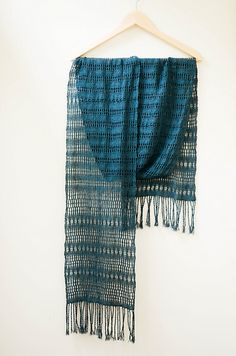 Ravelry: Linen and lace. Loom Knitting Patterns, Weaving Patterns, Lace Patterns, Pin Weaving, Loom Weaving, Lace Weave, Woven Scarves, Textiles, Weaving Projects