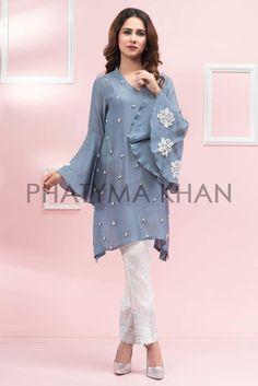 Online Shopping in Pakistan Pakistani Dresses Casual, Pakistani Dress Design, Indian Dresses, Indian Outfits, Pakistani Bridal, Modest Fashion, Fashion Dresses, Frock Fashion, Trendy Fashion