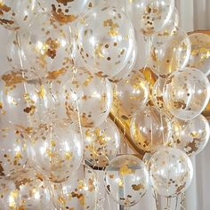 37 Gorgeous Easy and On Budget Party Decoration Looks Luxury The manner in which you decorate the party is limited solely by your imagination. It decorating ideas that you use will vary depending upon the theme . New Years Party Themes, New Years Eve Decorations, Gold Party Decorations, Bridal Shower Decorations, Birthday Decorations, Party Centerpieces, Gold Party Themes, Graduation Decorations, Golden Birthday Parties