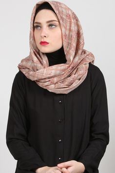 Luna Floral Stripe Hijab Harga Khusus Hanya: Rp. 84.000  Warna: Mocca Bahan: Cotton Panjang: 110cmx110cm