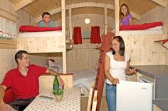 Murphy Bunk Beds, Homemade Camper, Shepherds Hut, Gypsy Wagon, Tiny House Living, Tiny House Design, Types Of Houses, House On Wheels, Tiny Homes
