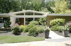 mid century modern ranch | Mid-Century modern: 1959 brick ranch with voluminous ... | Home Style