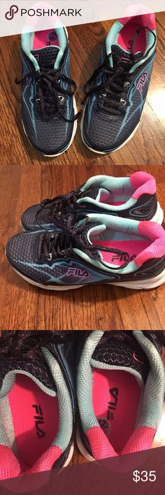 ‼️Sale! Semi-new FILA Shoes! Worn not more than five times indoors less than one hours each time . They are 6.5, true to size. I just didn't like how they look on me! Don't be afraid of making an offer Fila Shoes Sneakers